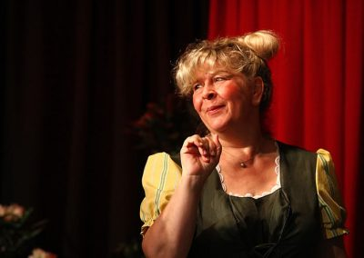 "Doris Weiss in""Der Diener zweier Herren"""